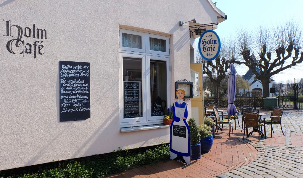 ein Spaziergang durch die Fischersiedlung Holm bei Schleswig inklusive Kaffee und Kuchen im Café Holm