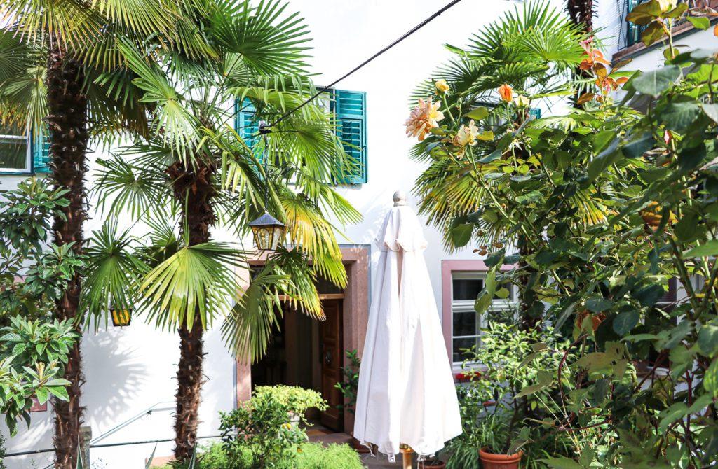 mediterraner Garten im Hotel Ottmanngut in Meran