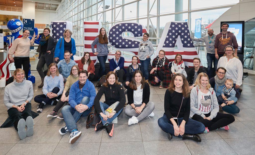 Gruppenfoto mit den Reisebloggern Hamburg auf der Ooohh-Freizeitwelten