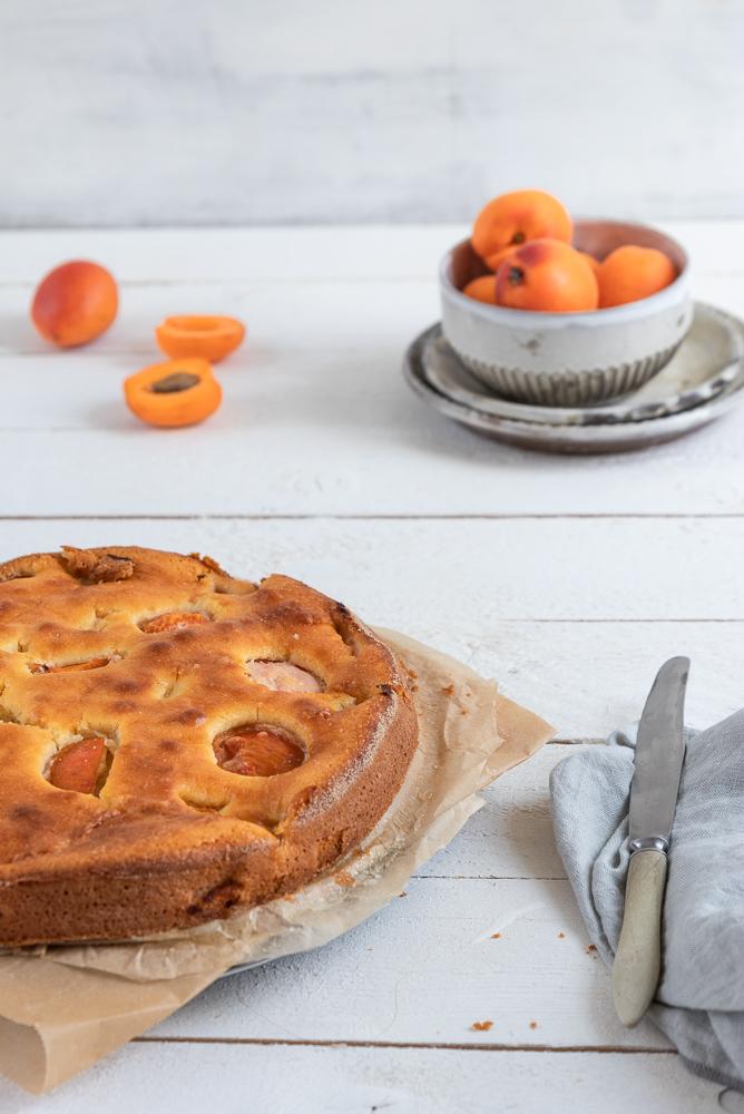 Aprikosen-Buttermilchkuchen