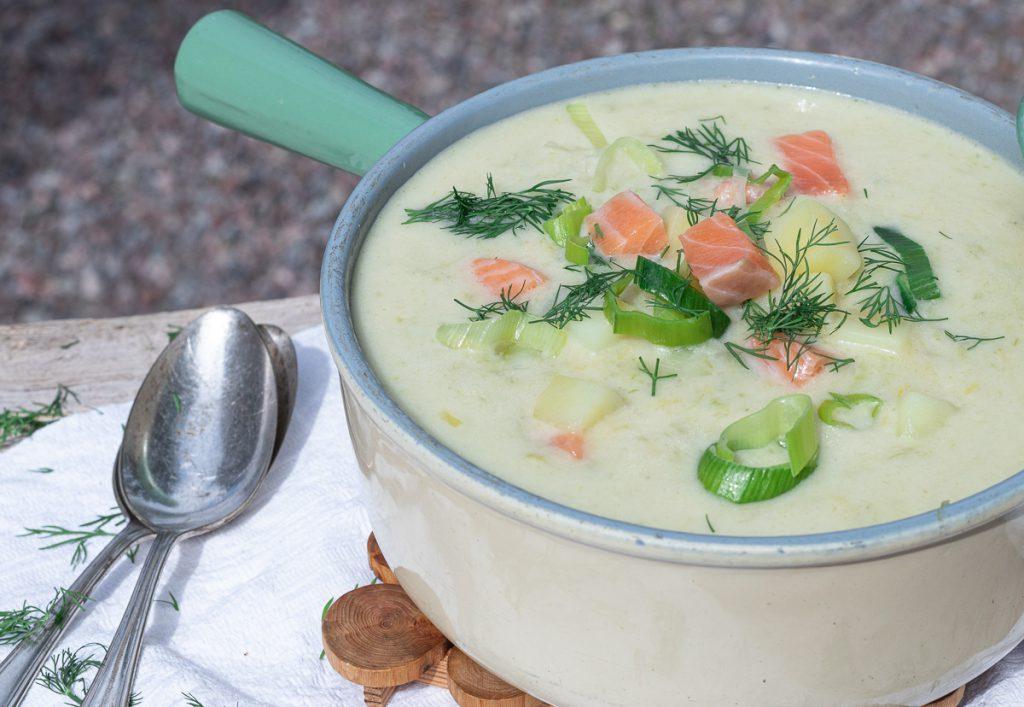 schwedische Sommersuppe mit Lachs: kalt und warm ein Genuss: Original Rezept!
