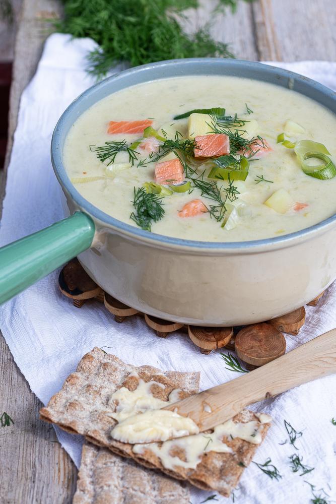 original schwedische Sommersuppe mit Lachs: steht im Nullkommanix auf dem Tisch