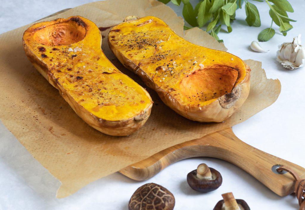 im Ofen gerösteter Butternut-Kürbis für eine schnelle & herbstliche Kürbis-Pasta