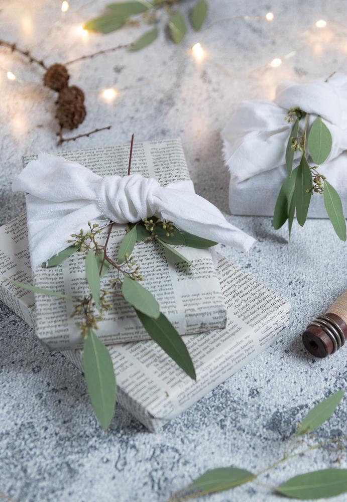 Geschenke nachhaltig verpacken mit Stoff