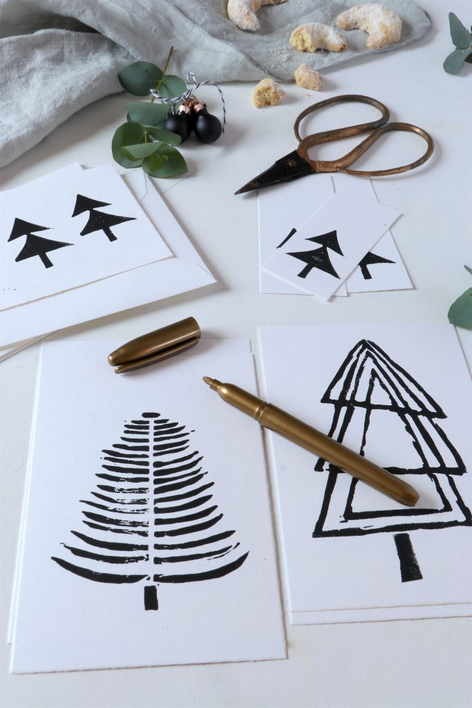 schnelles Weihnachtskarten-DIY mit Linoldruck